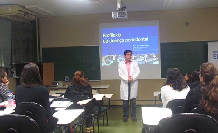 Dr Daniel Ferro